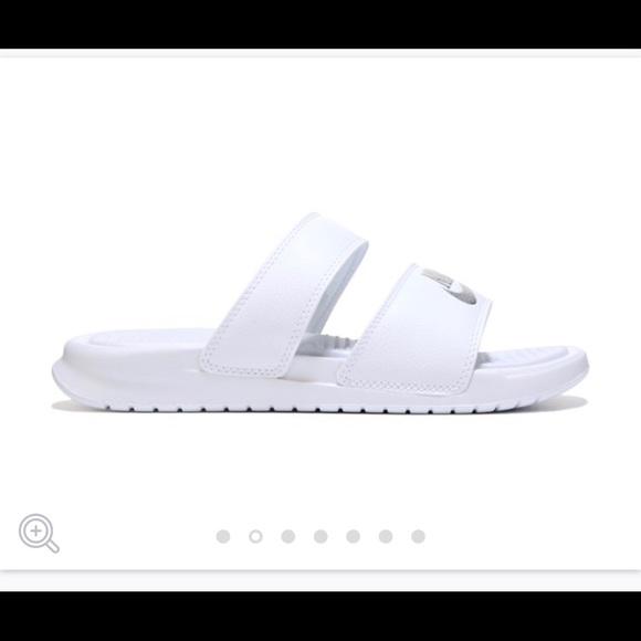 87bd92bf3b473 2 Strap Nike Slides (Women)